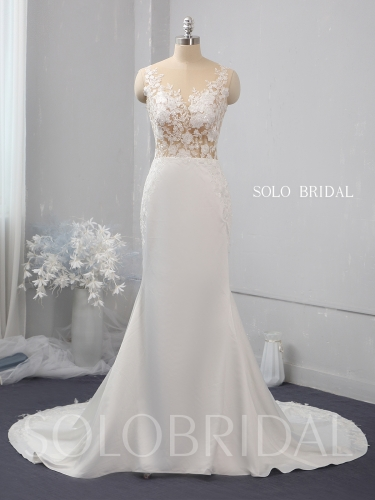 Ivory fitted crepe wedding dress 724A1552