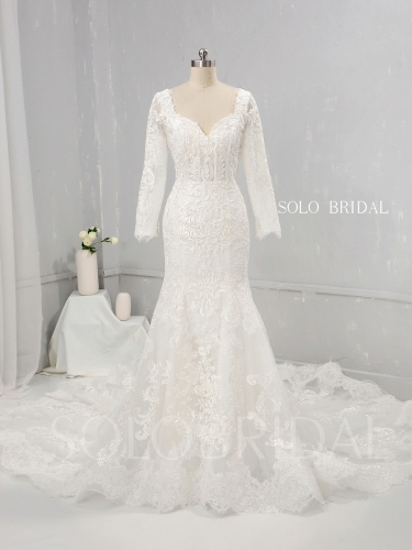 Ivory Fit and Flare Wedding Dress Diamond Neckline 3/4 sleeves Big Triangle Cathedral Train 724A1242a