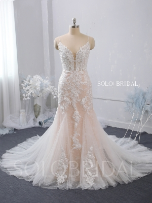 plunge neck spaghetti straps fit and flare blush pink wedding dress zipper back chapel train 724A7512