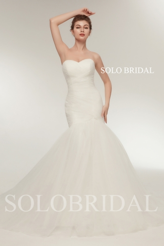 Ivory sweetheart fit and flare tulle wedding dress G286351