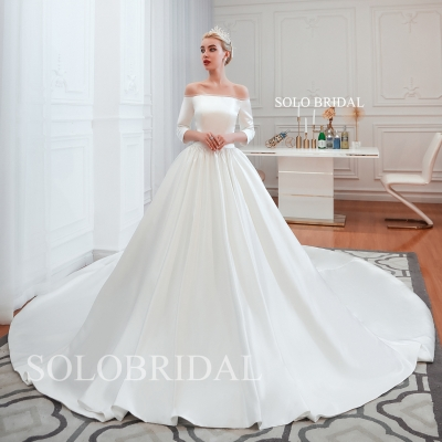 Light ivory silky satin wedding dress M393531